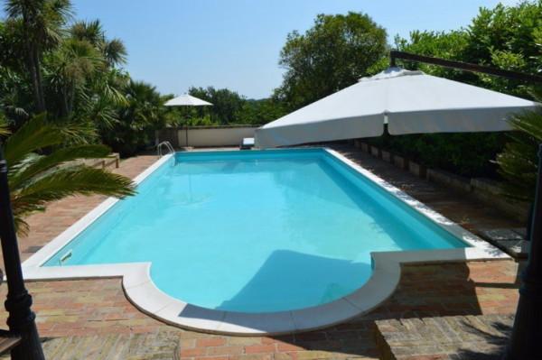 Villa in vendita a Civitanova Marche, 6 locali, Trattative riservate | Cambio Casa.it