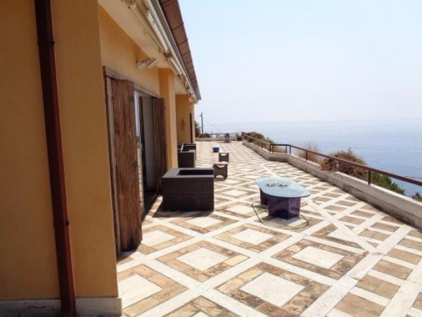 Villa in affitto a San Felice Circeo, 6 locali, prezzo € 15.000 | Cambio Casa.it