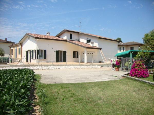 Villa in vendita a Nogara, 6 locali, prezzo € 320.000 | CambioCasa.it
