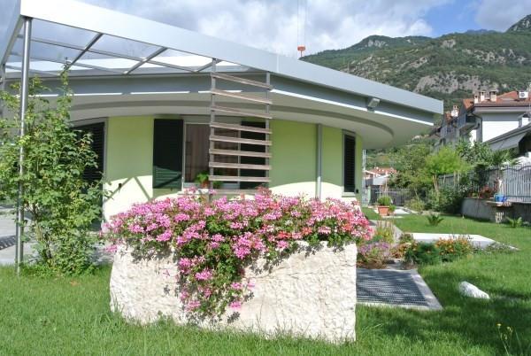 Villa indipendente in vendita arco id 12398 - Altezza alberi giardino privato condominio ...