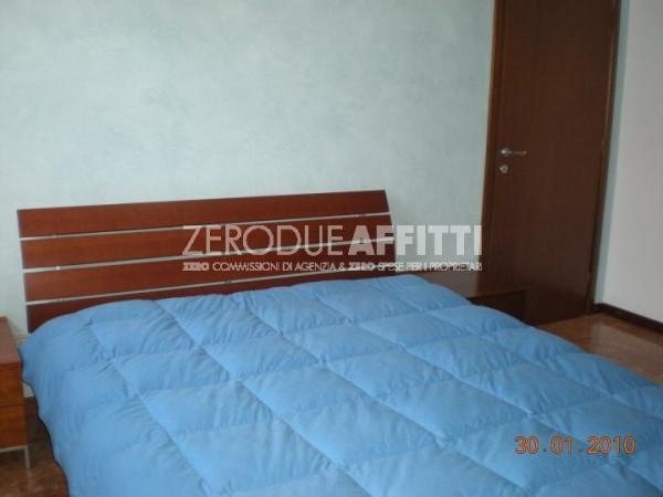 Bilocale Milano Via Bernardino Verro 3