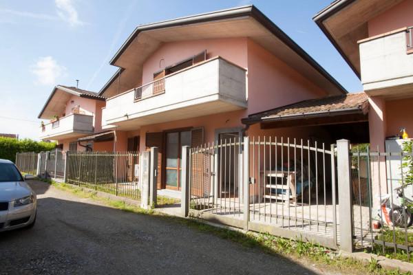 Villa in Vendita a Biandronno