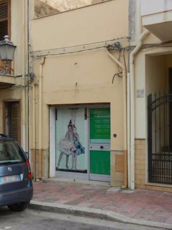 Negozio / Locale in vendita a Terrasini, 2 locali, prezzo € 55.000 | Cambio Casa.it