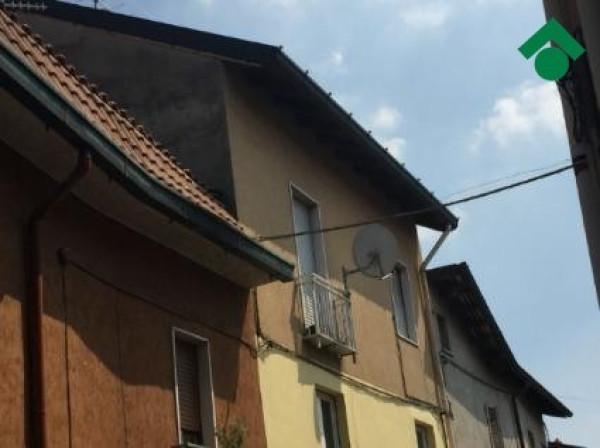 Bilocale Nova Milanese Via Caravaggio 2