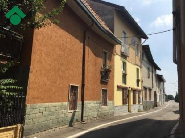 Bilocale Nova Milanese Via Caravaggio 7