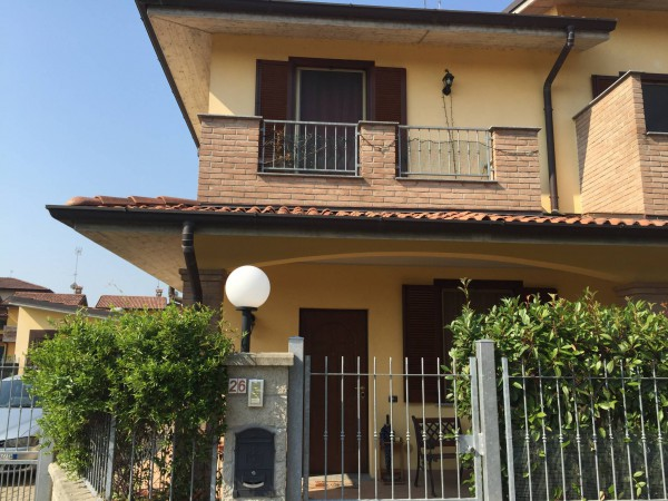 Villa a Schiera in vendita a Chignolo Po, 3 locali, prezzo € 150.000 | Cambio Casa.it