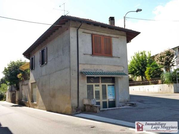 Negozio / Locale in vendita a Angera, 3 locali, prezzo € 120.000 | Cambio Casa.it