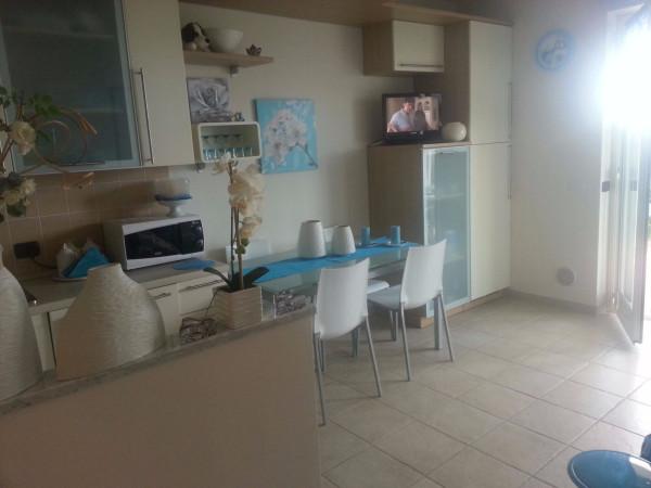 Appartamento in vendita a Ospedaletti, 2 locali, prezzo € 350.000   Cambio Casa.it