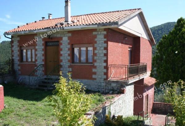 Villa in vendita a Sassoferrato, 6 locali, prezzo € 99.000 | CambioCasa.it