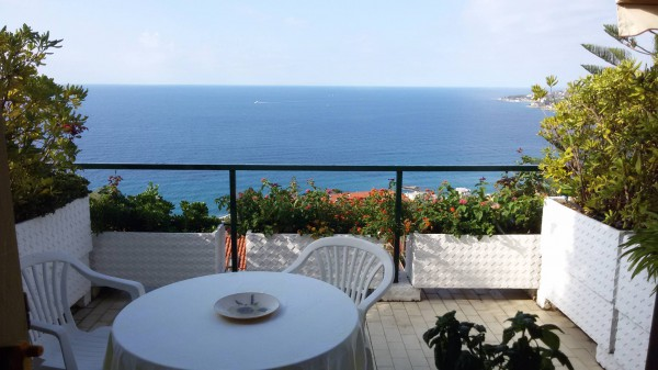 Appartamento in vendita a Ospedaletti, 3 locali, prezzo € 250.000 | Cambio Casa.it
