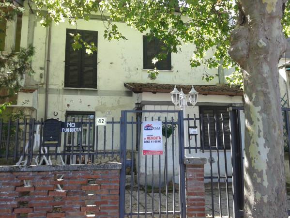 Soluzione Indipendente in vendita a Avezzano, 6 locali, prezzo € 115.000 | Cambio Casa.it