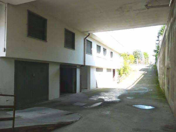 Magazzino in Affitto a Rivarolo Canavese Periferia: 3 locali, 340 mq