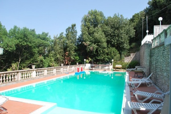 Villa in Vendita a Corciano: 5 locali, 340 mq