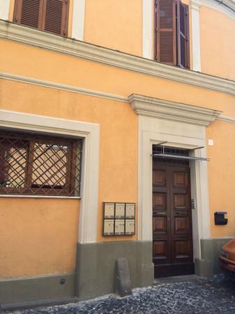 Bilocale Velletri Vicolo Santa Lucia 2