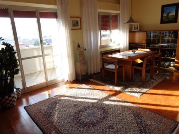 Appartamento in vendita a Pesaro, 5 locali, prezzo € 260.000 | Cambio Casa.it