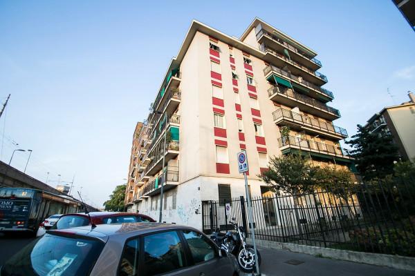 Bilocale Milano Via Ferrante Aporti 13
