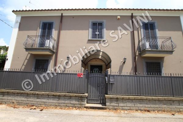 Villa in vendita a Genzano di Roma, 4 locali, prezzo € 380.000 | Cambio Casa.it