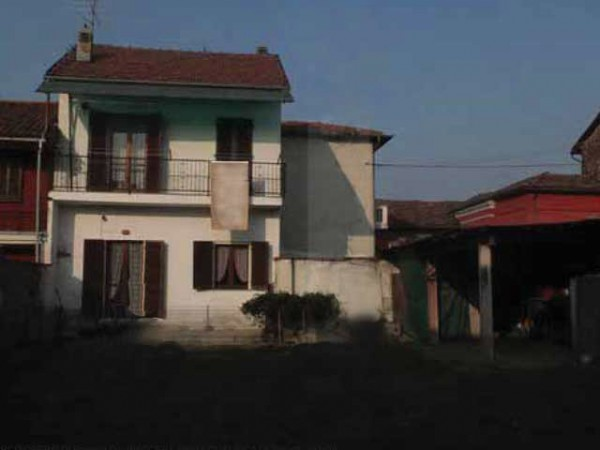 Villa in vendita a Carignano, 6 locali, prezzo € 74.000 | Cambio Casa.it