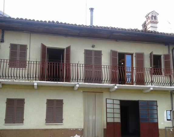 Rustico / Casale in vendita a Montà, 6 locali, prezzo € 160.000 | Cambio Casa.it