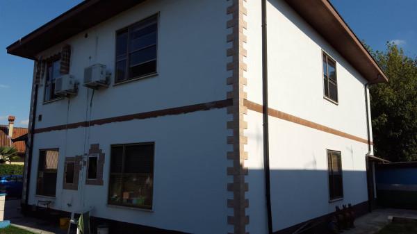 Villa in vendita a Codogno, 6 locali, prezzo € 185.000 | Cambio Casa.it
