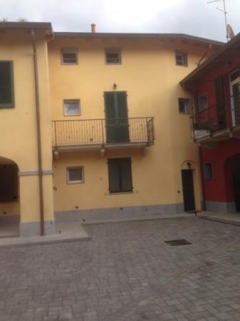 Appartamento in vendita a Lurate Caccivio, 4 locali, prezzo € 320.000 | Cambio Casa.it