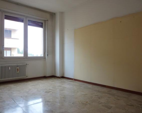Bilocale Olgiate Comasco Via Vittorio Emanuele 4