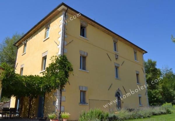 Palazzo / Stabile in vendita a Piobbico, 6 locali, prezzo € 650.000 | Cambio Casa.it