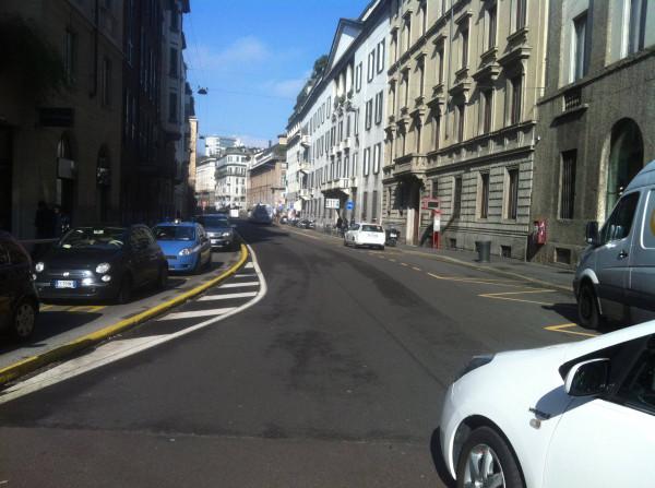 Bilocale Milano Via Santa Cecilia 1