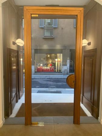 Bilocale Milano Via Santa Cecilia 2
