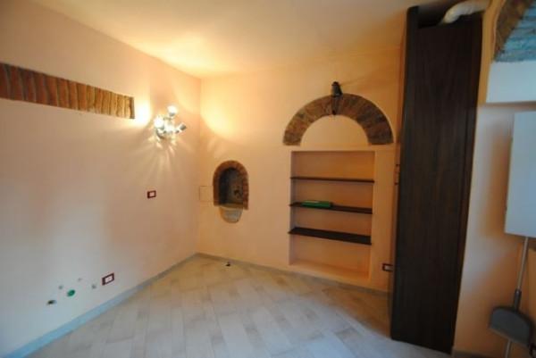 Bilocale Pavia Via Porta Pertusi 9