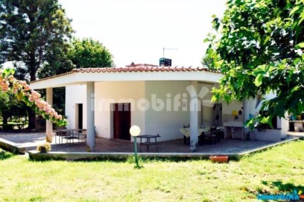 Villa in vendita a Oria, 4 locali, prezzo € 85.000 | Cambio Casa.it