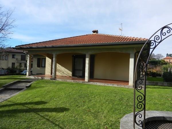 Villa in vendita a Albavilla, 6 locali, prezzo € 450.000 | Cambiocasa.it