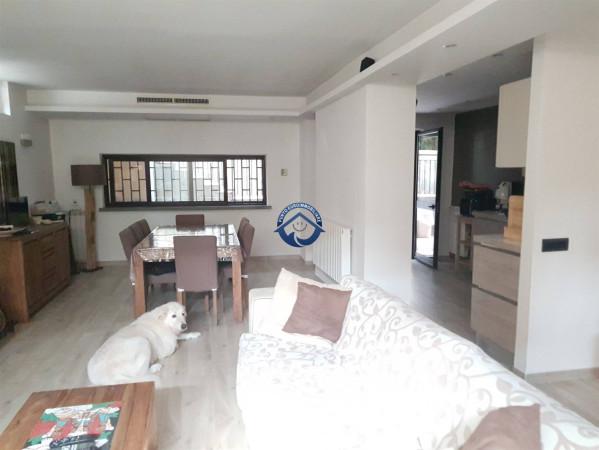 Villa in vendita a Mariglianella, 5 locali, prezzo € 350.000 | Cambio Casa.it