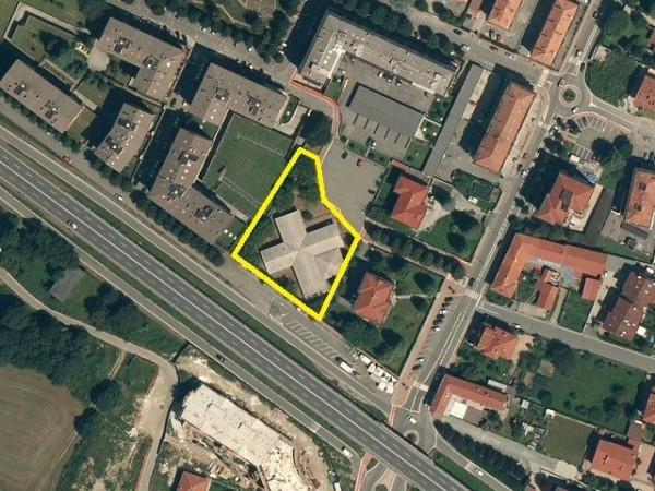 Immobile Commerciale in vendita a Ciriè, 6 locali, prezzo € 200.000 | Cambio Casa.it