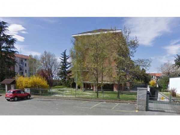 Appartamento in vendita a Moncalieri, 4 locali, prezzo € 135.000 | Cambio Casa.it