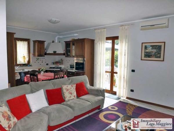 Appartamento in vendita a Taino, 3 locali, prezzo € 170.000 | Cambio Casa.it