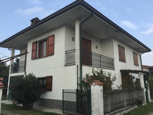 Villa in vendita a San Colombano al Lambro, 3 locali, prezzo € 215.000 | Cambio Casa.it