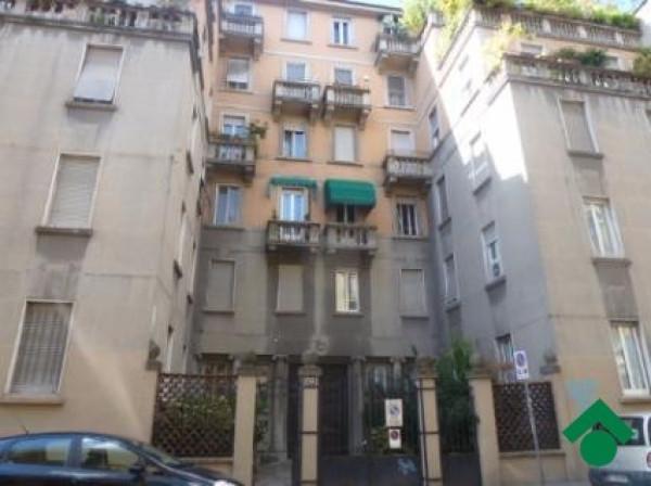 Bilocale Milano Via Venini Dispari, 93 1