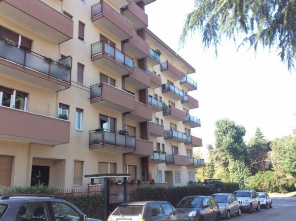 Bilocale Legnano Via Locatelli 1