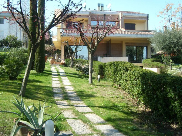 Villa in Vendita a Coriano Periferia: 5 locali, 260 mq