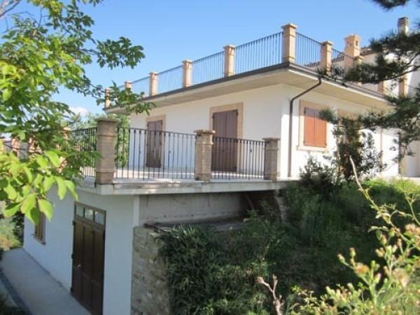 Rustico / Casale in vendita a Cermignano, 6 locali, prezzo € 148.000 | Cambio Casa.it