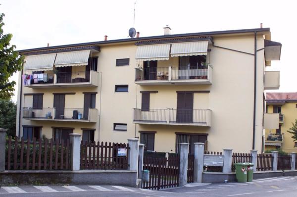 Appartamento in vendita a Lesmo, 3 locali, prezzo € 115.000 | CambioCasa.it
