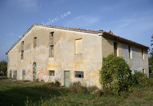 Rustico / Casale in vendita a Pergola, 6 locali, prezzo € 195.000 | CambioCasa.it