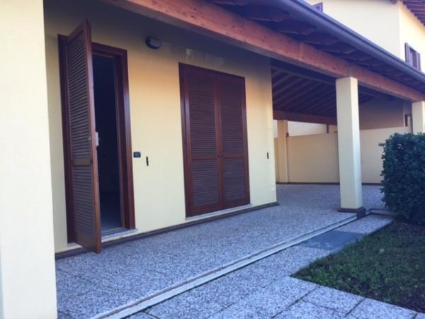 Villa in vendita a Fino Mornasco, 4 locali, prezzo € 360.000 | Cambio Casa.it