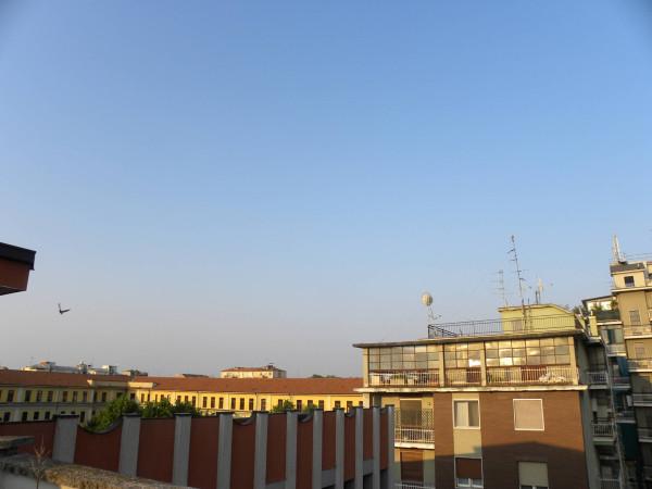 Bilocale Milano Via Neera 1
