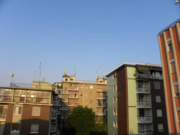 Bilocale Milano Via Attilio Momigliano 10
