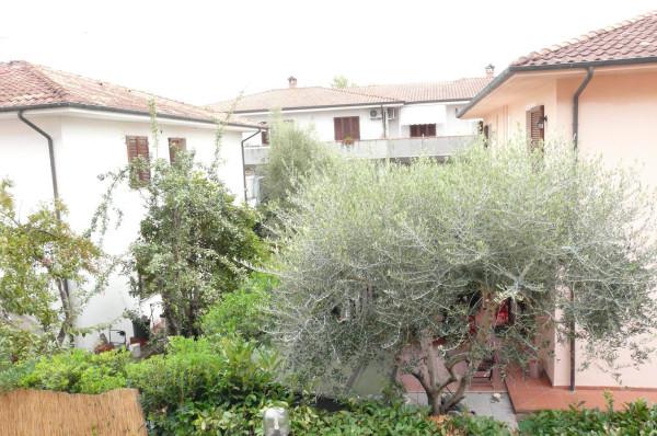 Bilocale Lucca Via Bonagiunta Urbiciani 1