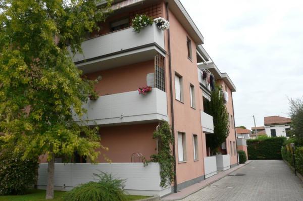 Bilocale Lucca Via Bonagiunta Urbiciani 2