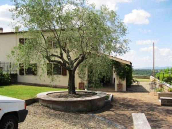 Rustico / Casale in vendita a Sorano, 6 locali, prezzo € 600.000 | CambioCasa.it
