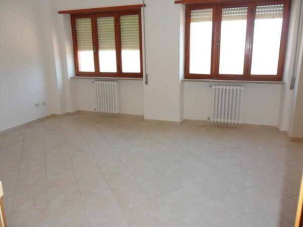 Appartamento in affitto a Avezzano, 9999 locali, prezzo € 400 | Cambio Casa.it